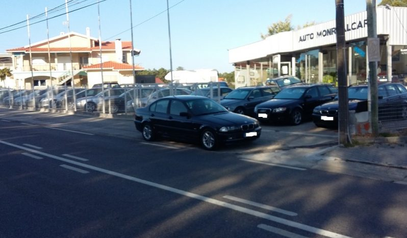 BMW 320 D  SPORT   136  CV  C/AC completo